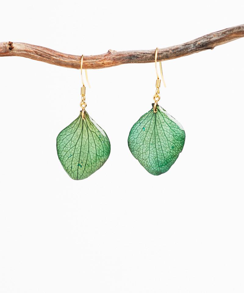 Boucles d'oreilles pétales d'hortensia vert / bleu